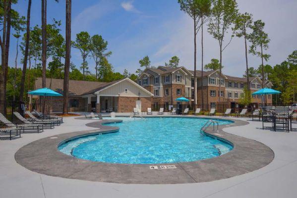 Plato's-Lofts-At-Randall-Wilmington-NC-Swimming-Pool-Unilodgers