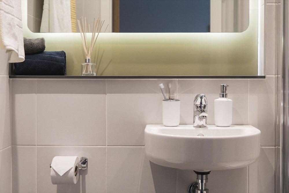 Point Campus-Dublin-Bathroom-Unilodgers