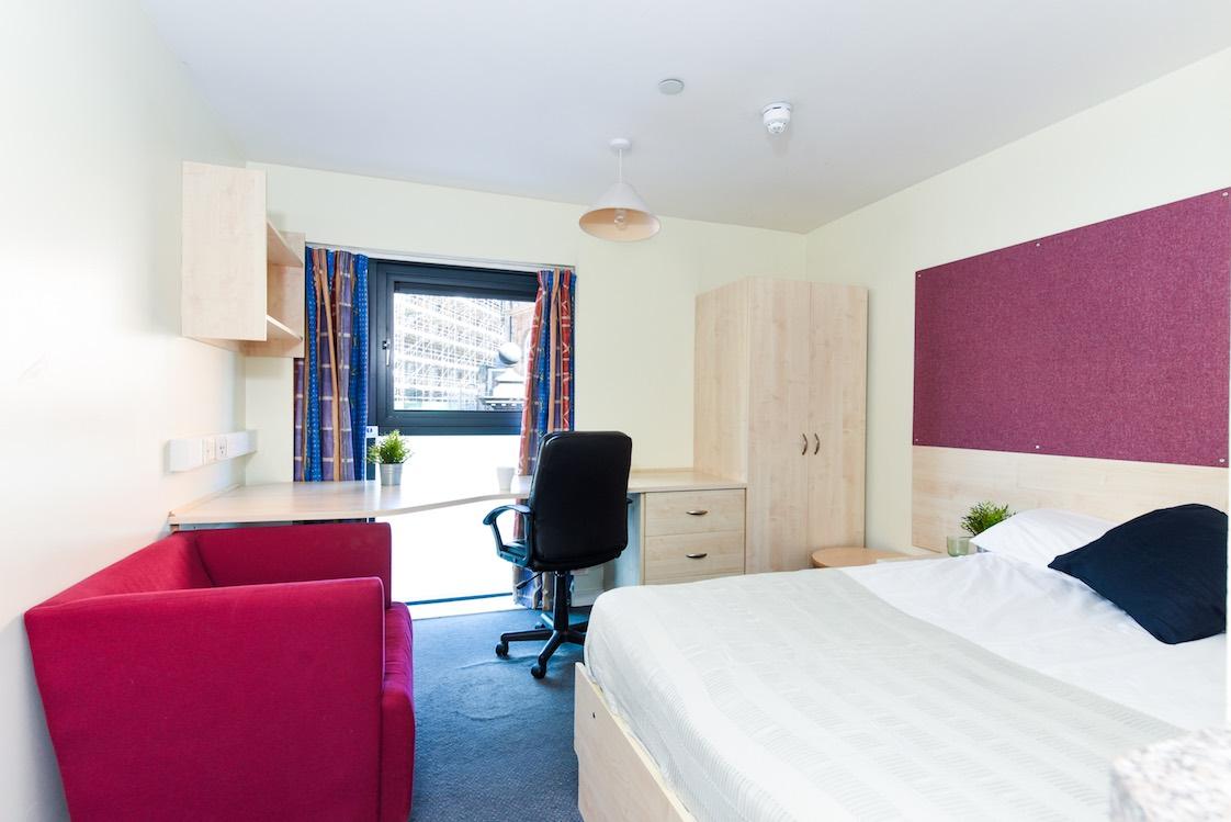 Portsburgh-Court-Edinburgh-Studio-2-Unilodgers