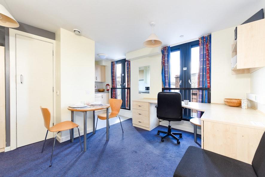 Portsburgh-Court-Edinburgh-Studio-3-Unilodgers