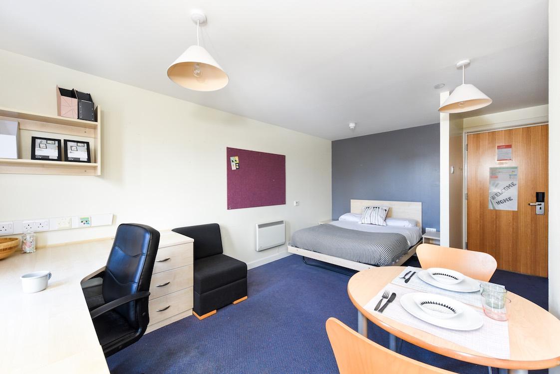 Portsburgh-Court-Edinburgh-Studio-5-Unilodgers