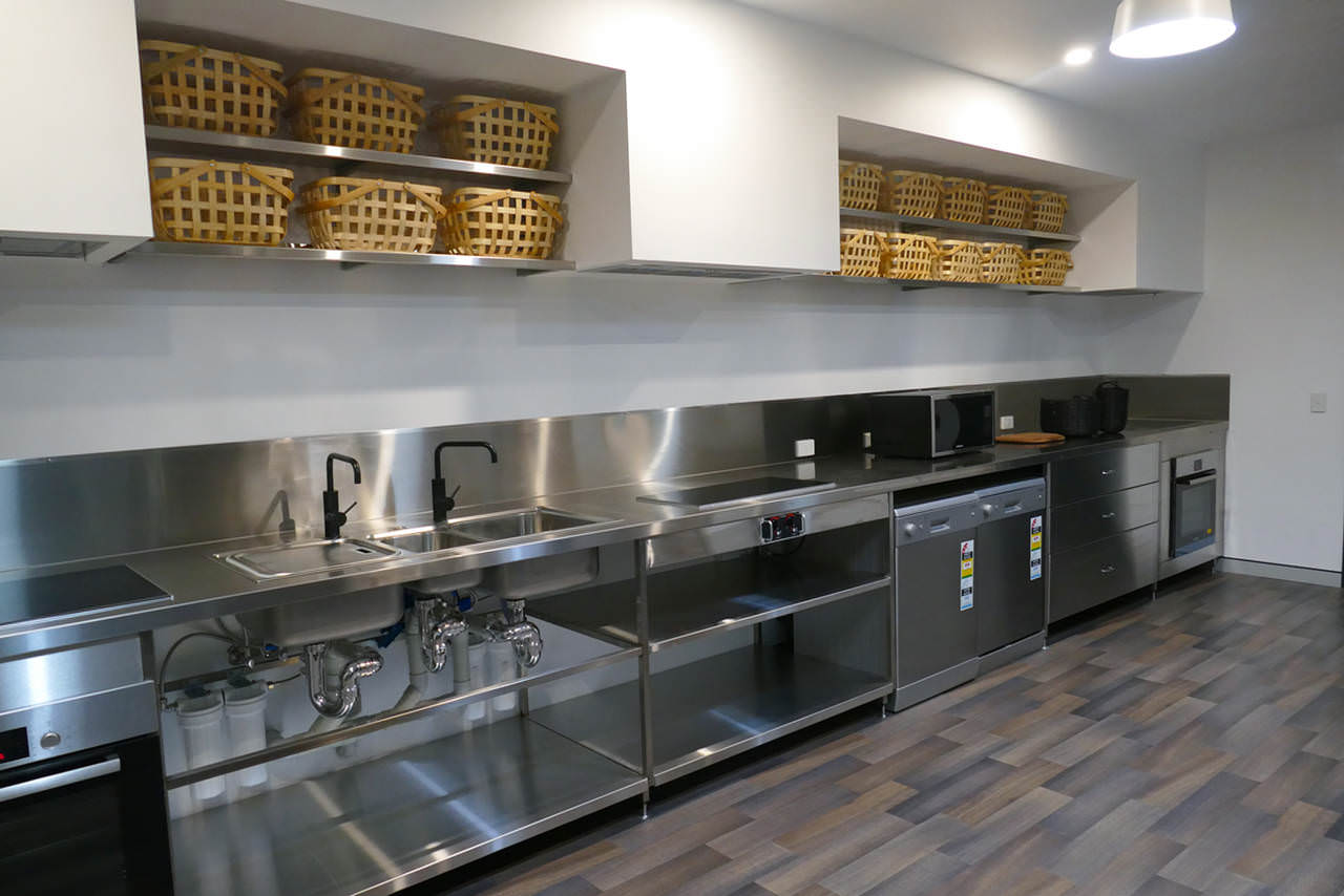 Precinq-Brisbane-Kitchen-Unilodgers