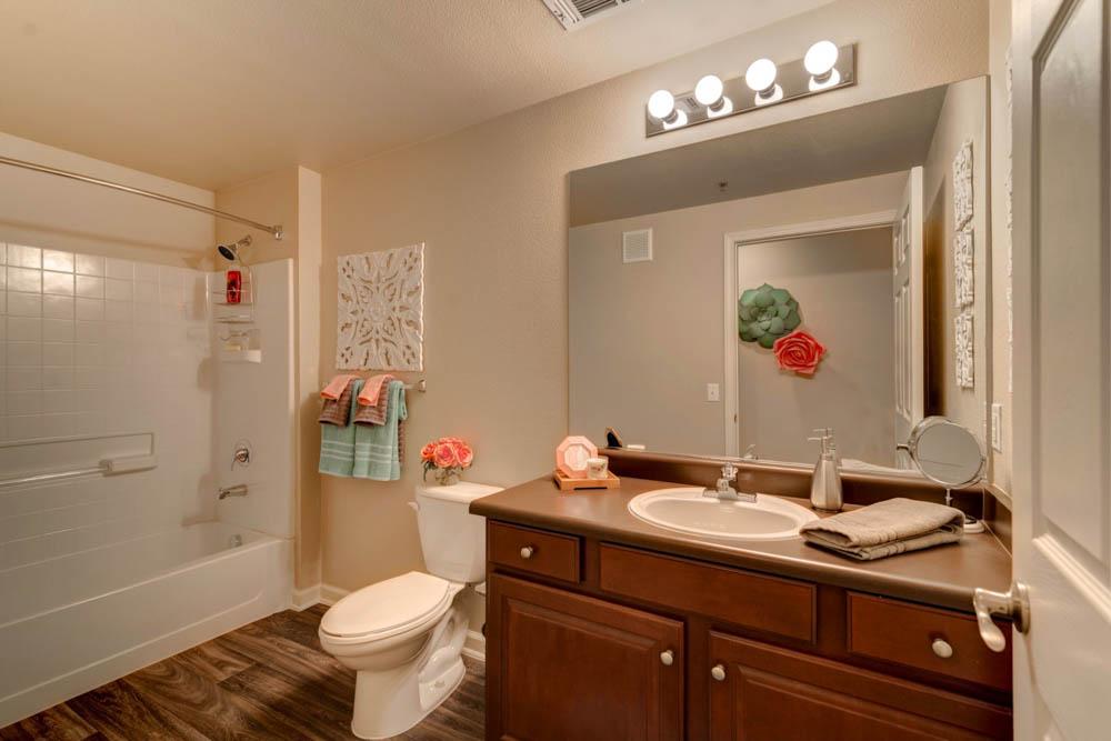 Rebel-Place-Las-Vegas-MO-Bathroom-Unilodgers