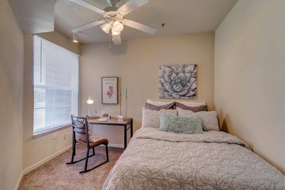 Rebel-Place-Las-Vegas-MO-Bedroom-2-Unilodgers