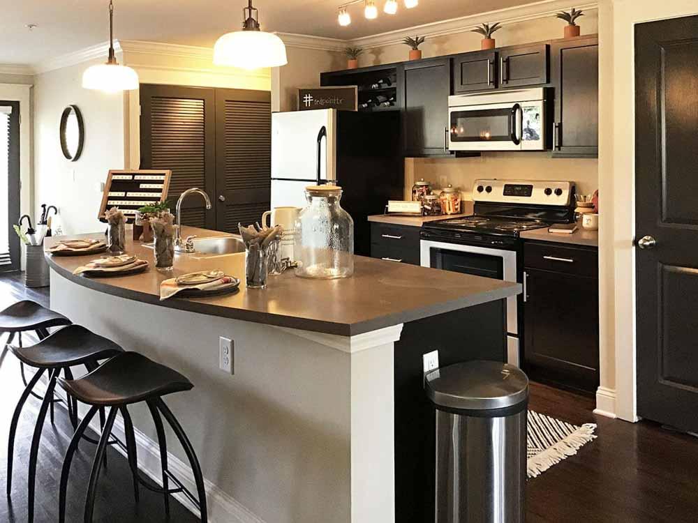 Redpoint Baton Rouge Apartments - LA | Unilodgers.com