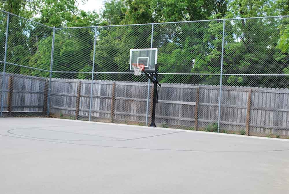 Redtail-On-The-River-West-Columbia-SC-Basketball-Court-Unilodgers
