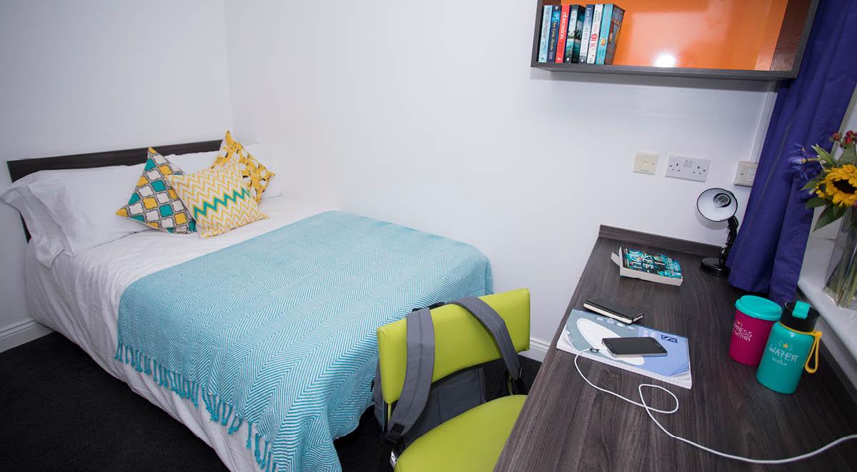 Regency-House-Sheffield-Bedroom-2-Unilodgers
