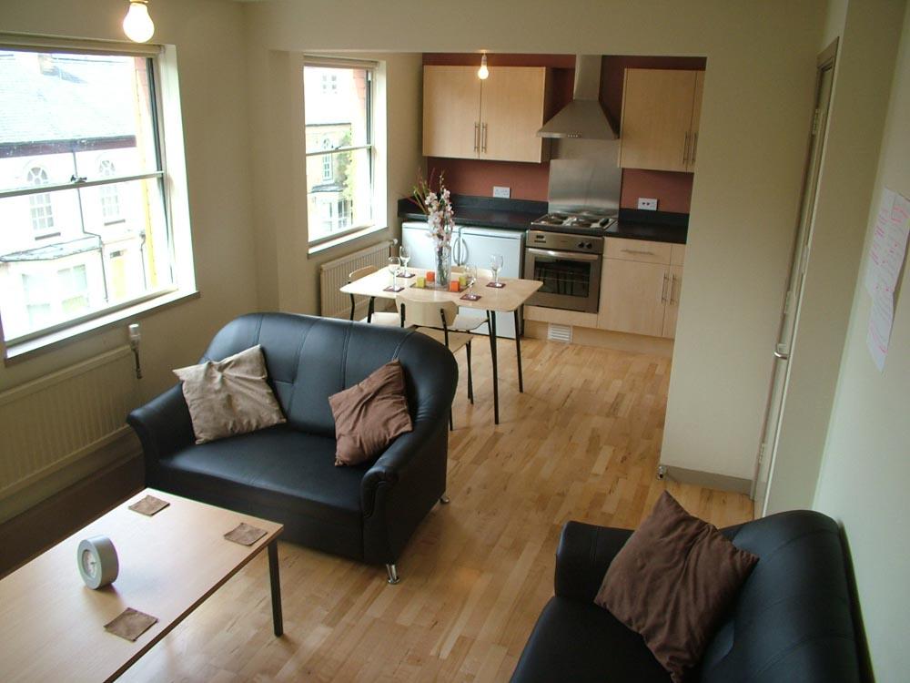 Regents Court-Leicester-Bedroom-Unilodgers