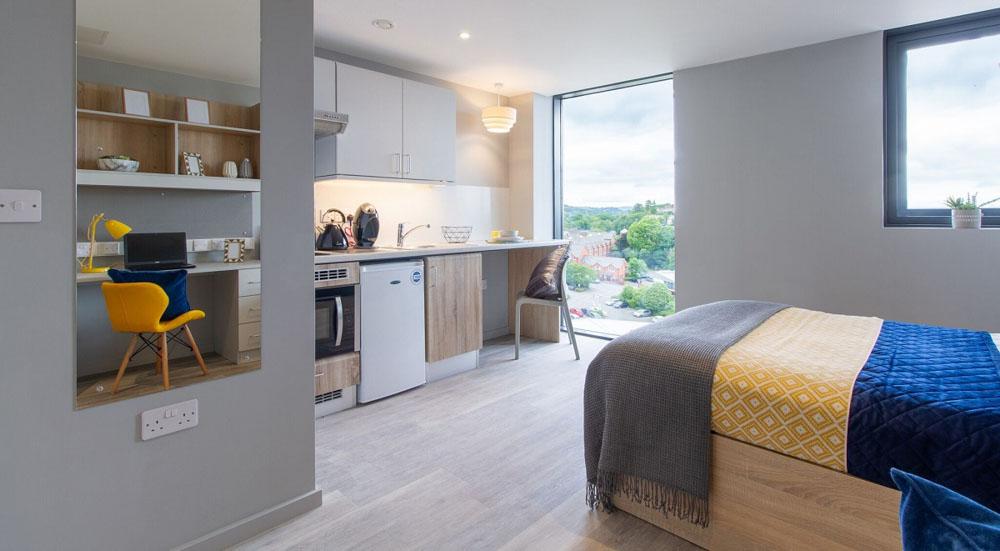 Renslade-House-Exeter-Bedroom-2-Unilodgers