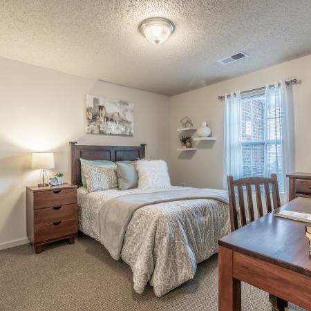 Revelry-Flats-At-Milledgeville-GA-Bedroom-Unilodgers