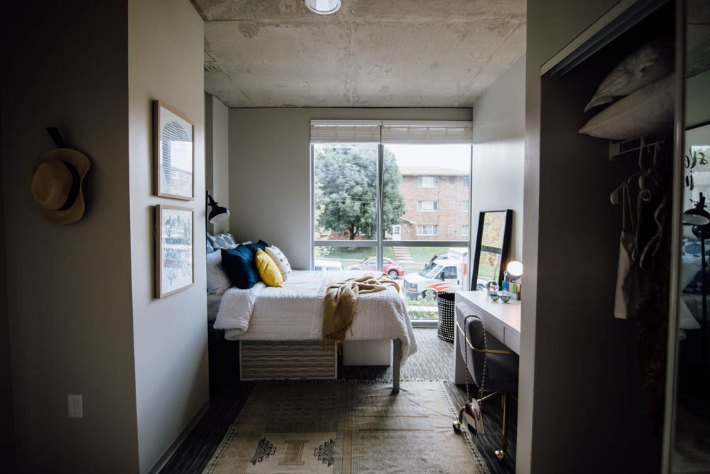 Rise-At-Riverfront-Crossings-Iowa-City-IA-Bedroom-Unilodgers