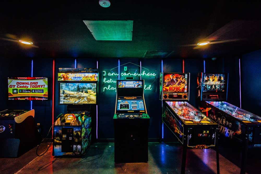 Rise-At-Riverfront-Crossings-Iowa-City-IA-Games-Room-Unilodgers