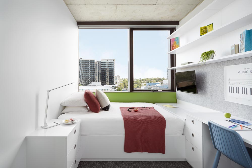 Scape-Toowong-Brisbane-8-Bedroom-Apartment-Large_Shared-Bathroom-Unilodgers