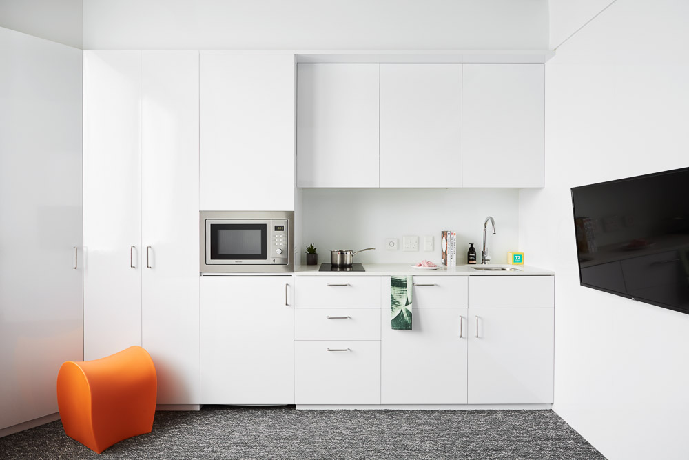Scape-Toowong-Brisbane-Large-Accessible-Apartment-Kitchen-Unilodgers
