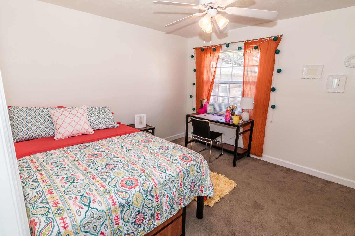 Seminole-Trails-Tallahassee-Bedroom-Unilodgers