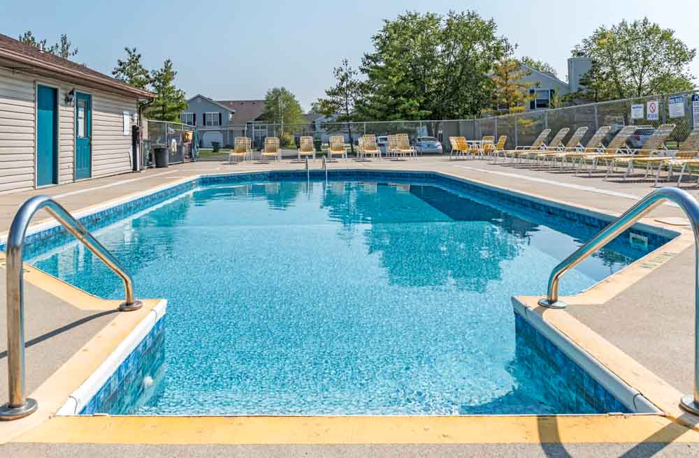Silvertree Communities-Muncie-IN-Swimming Pool-Unilodgers