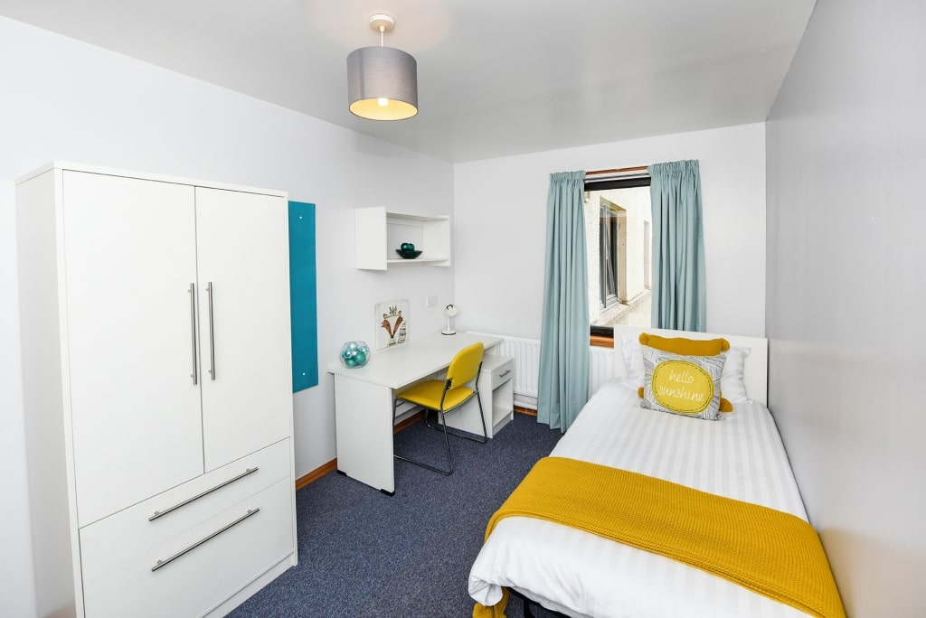 South-House-Aberdeen-Bedroom-Unilodgers1