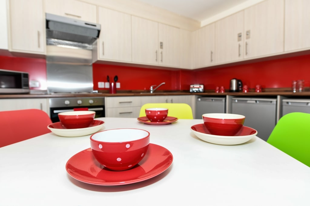 South-House-Aberdeen-Kitchen-Unilodgers1