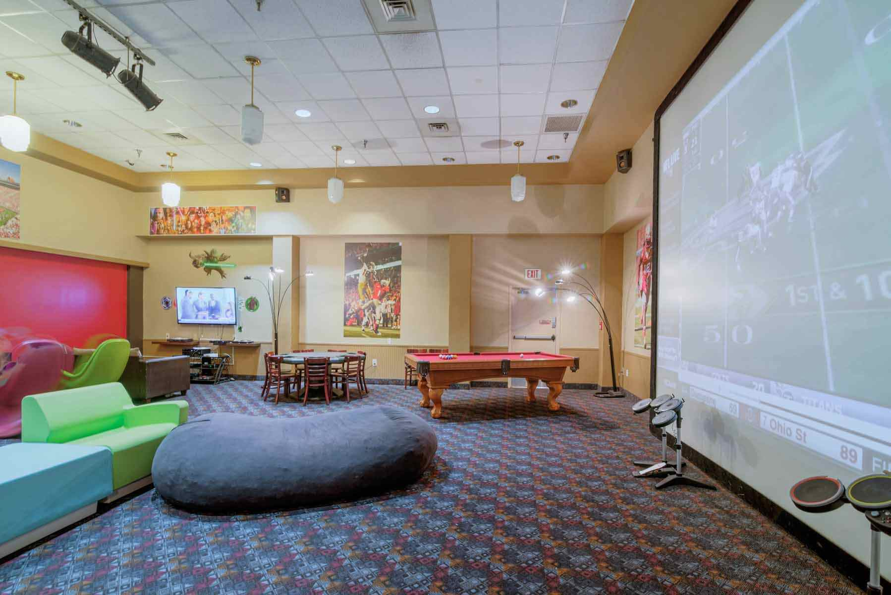SouthGate-Campus-Centre-Tallahassee-FL-Game-Room-Unilodgers