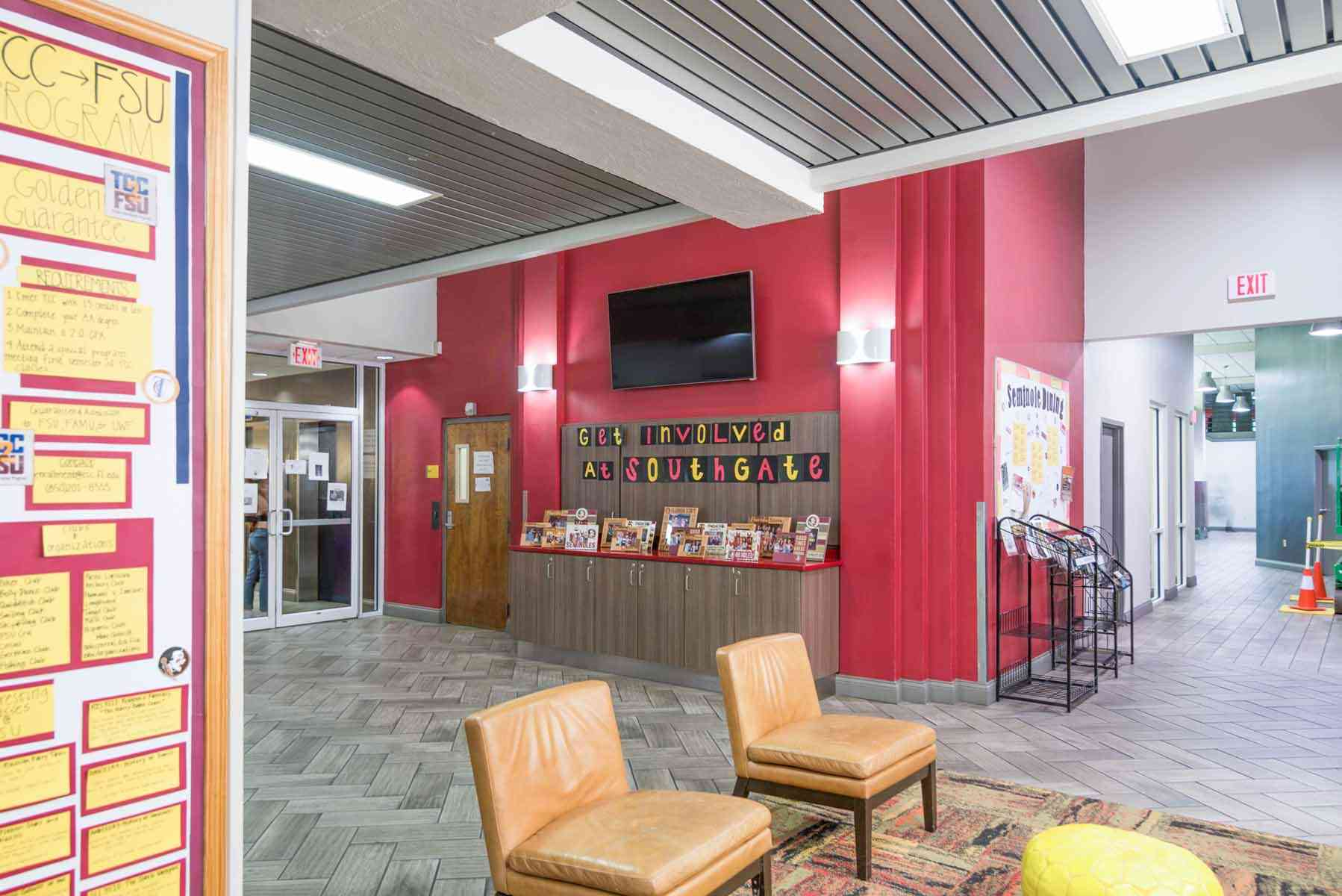 SouthGate-Campus-Centre-Tallahassee-FL-Lobby-Unilodgers