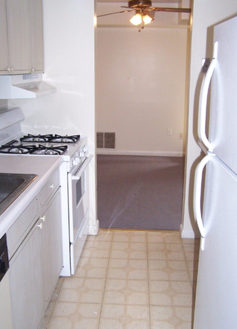 Southgate-Apartments-State-College-PA-Kitchen-Unilodgers