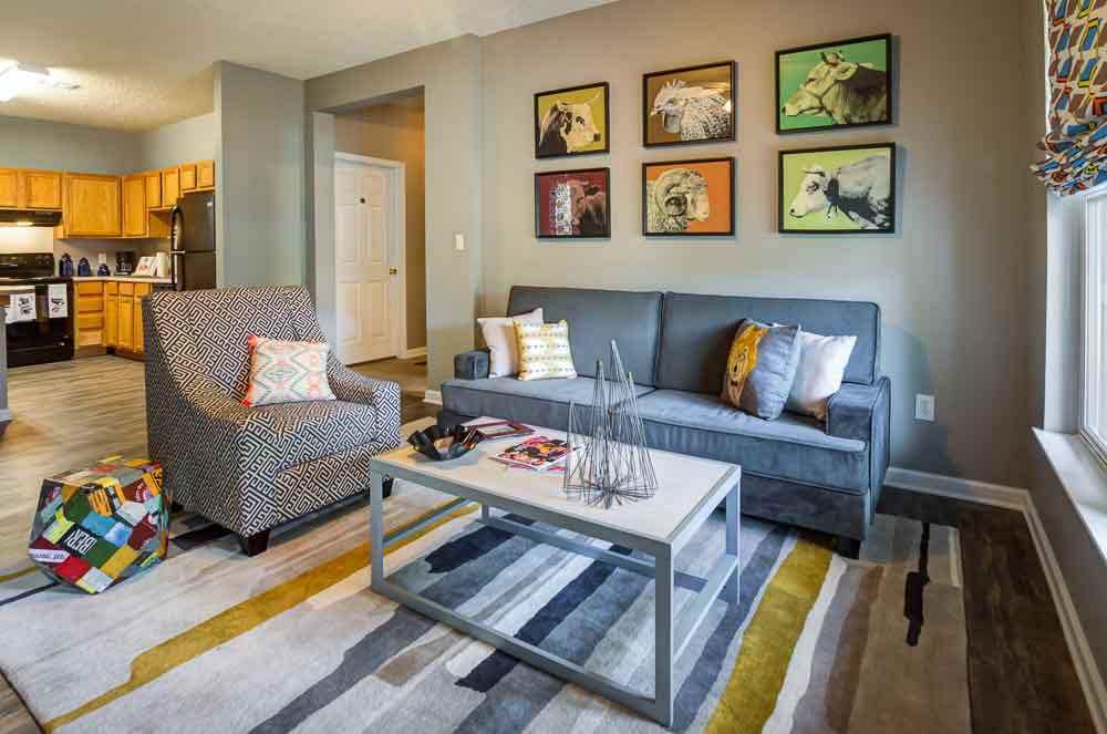 Station-At-Martin-TN-Living-Room-Unilodgers