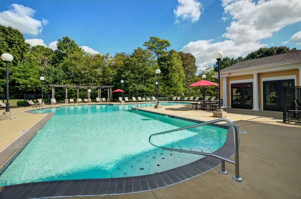 Station-At-Martin-TN-Swimming-Pool-Unilodgers