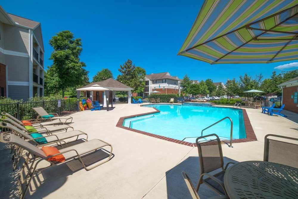 Student-Quarters-1350-Hazelwood-Murfreesboro-TN-Swimming-Pool-Unilodgers