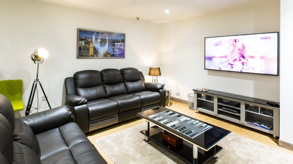 Study-Inn-Bristol-Shared-Living-Area2-Unilodgers (1)