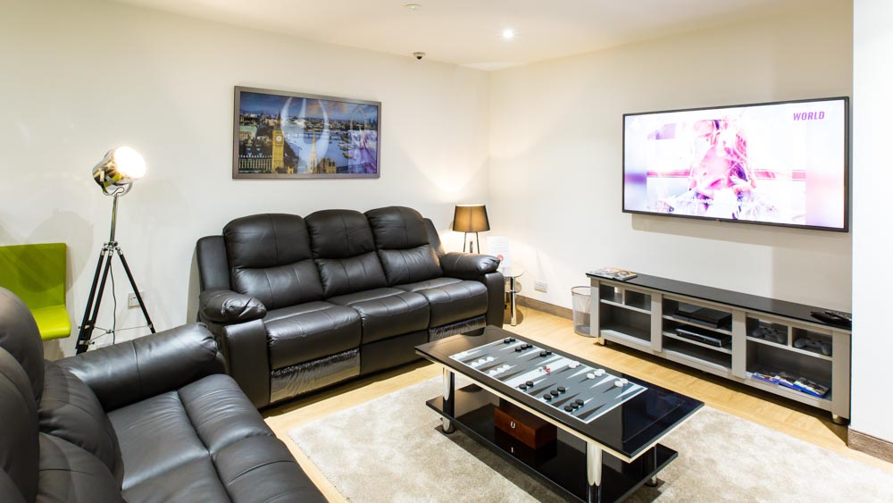 Study-Inn-Coventry-Tower-Coventry-Living-Area-And-TV-Unilodgers
