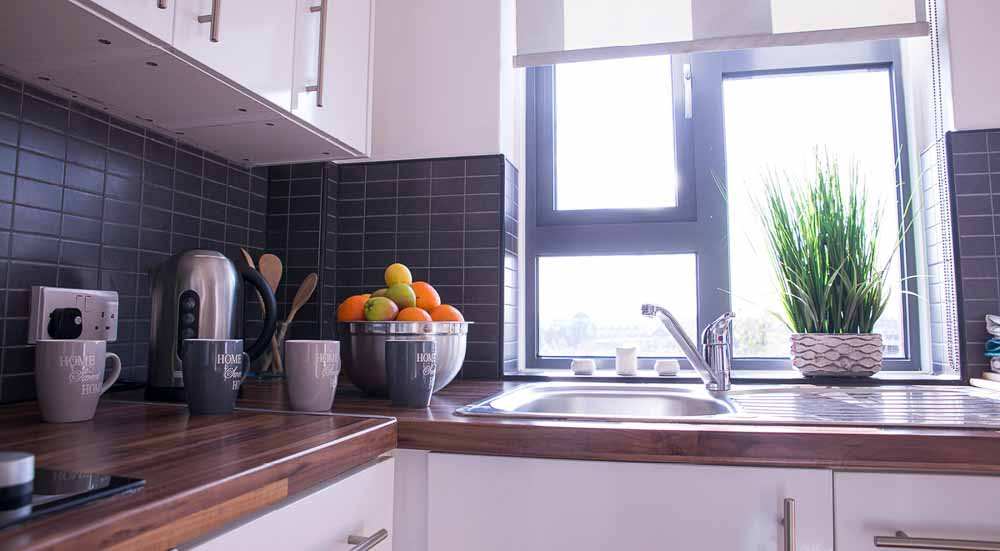 Surrey-Quays-Landale-House-London-Kitchen-1-Unilodgers