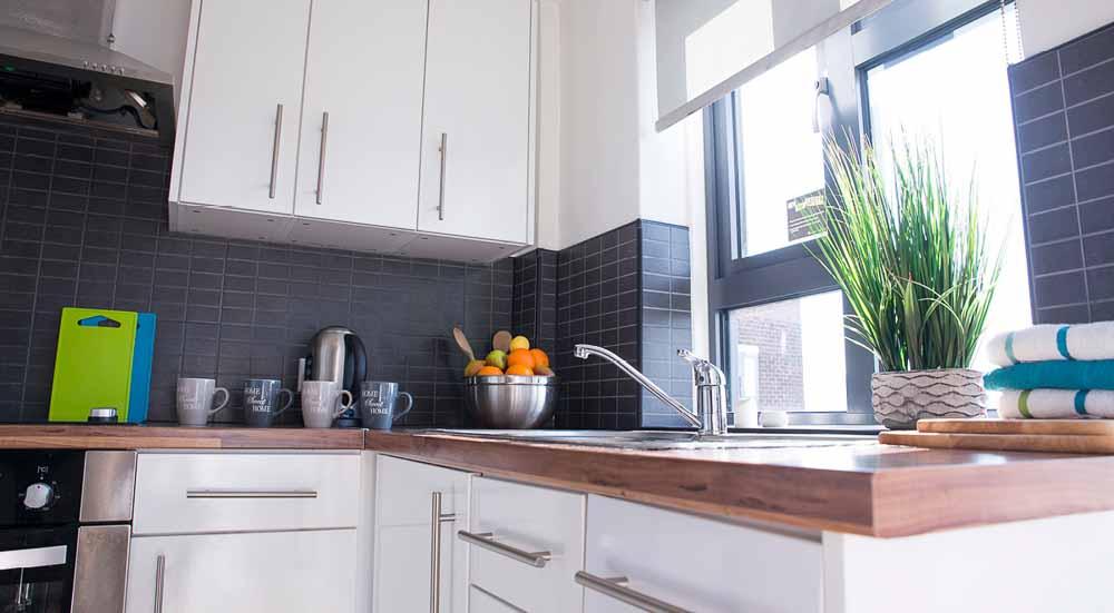 Surrey-Quays-Landale-House-London-Kitchen-Unilodgers