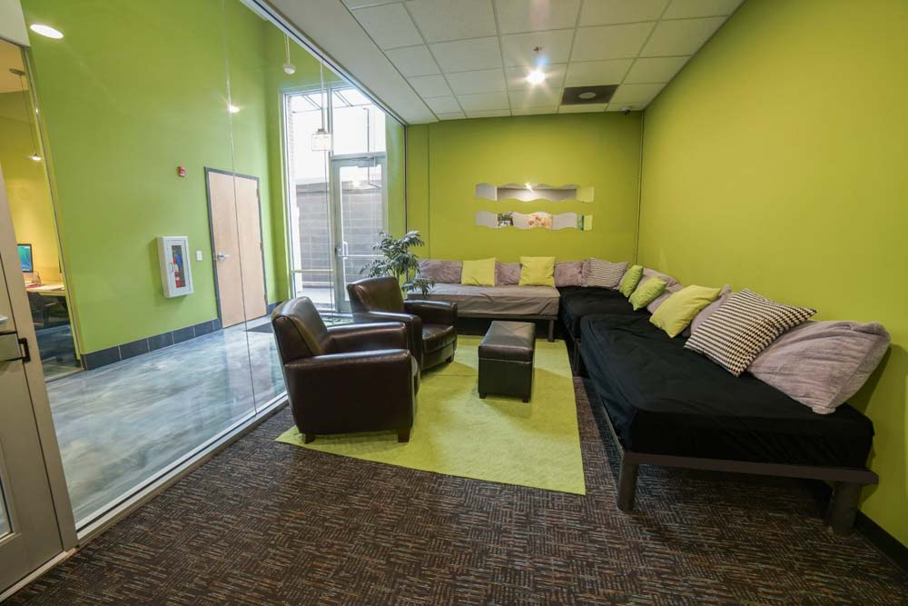 Tailor-Lofts-Chicago-IL-Common-Room-2-Unilodgers