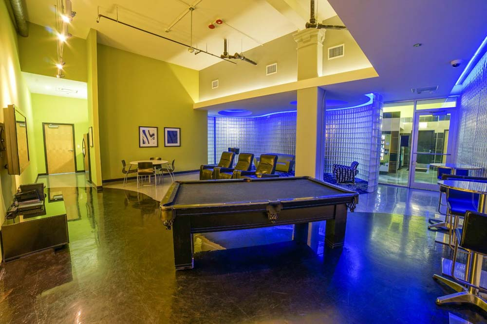 Tailor-Lofts-Chicago-IL-Pool-Table-Unilodgers