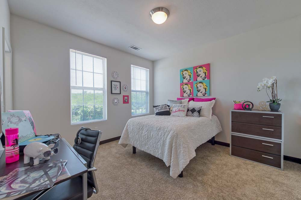 Tetro-Student-Village-San-Antonio-TX-Bedroom-2-Unilodgers
