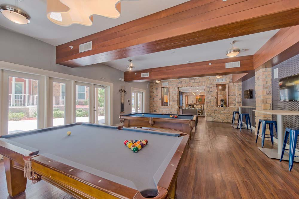 Tetro-Student-Village-San-Antonio-TX-Pool-Table-Unilodgers