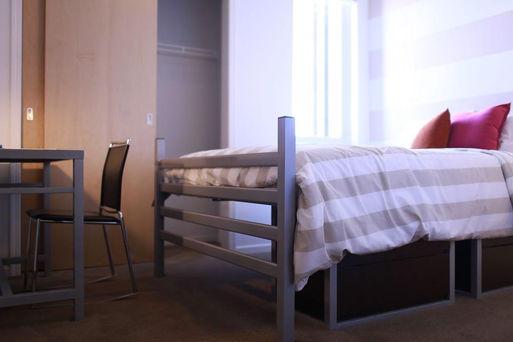 The-700-On-Washington-Minneapolis-MN-Bedroom-Unilodgers