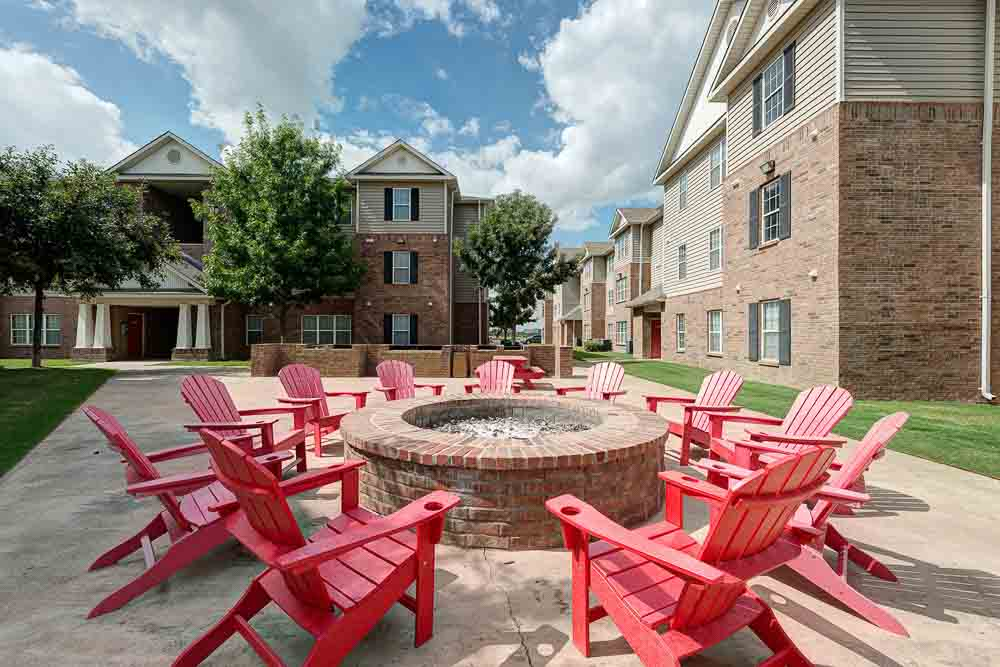 The-Arch-At-Abilene-TX-Fire-Pit-Unilodgers