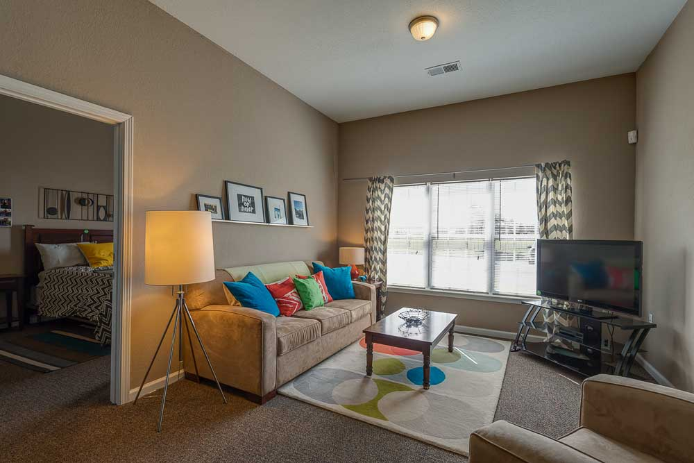 The-Arch-At-Abilene-TX-Living-Room-Unilodgers