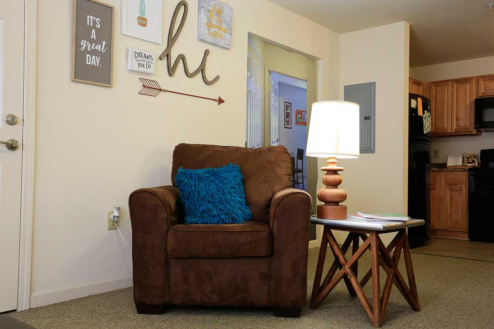 The-Arch-At-Denton-TX-Living-Room-Unilodgers
