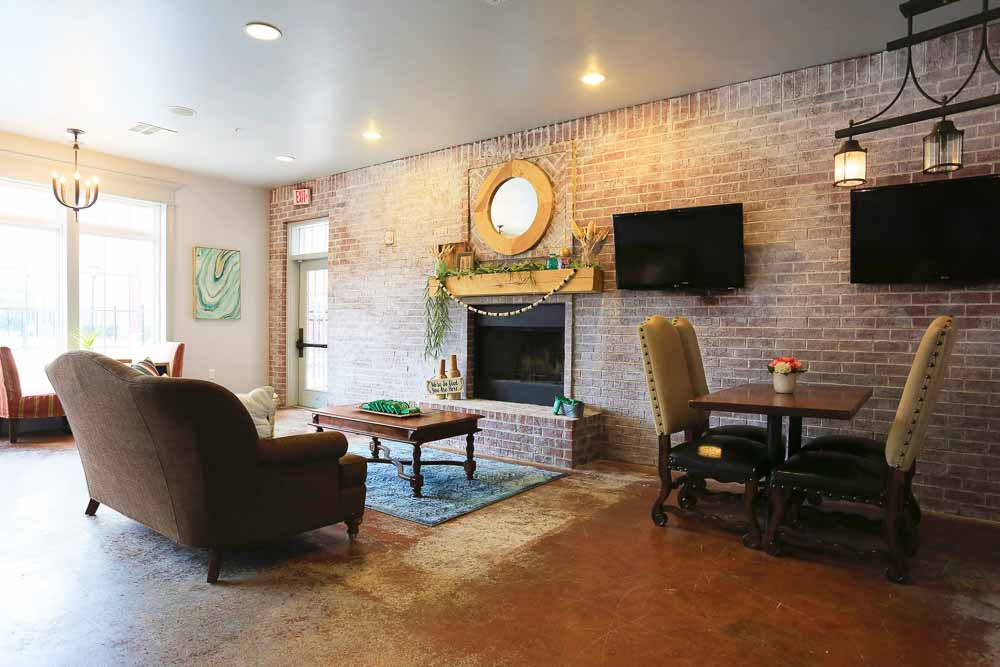The-Arch-At-Denton-TX-Social-Space2-Unilodgers