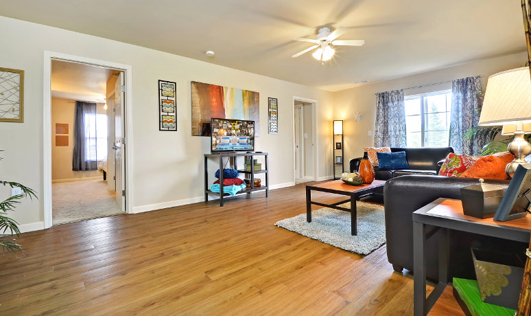 The-Avenue-South-West-Lafayette-IN-Living-Room2-Unilodgers