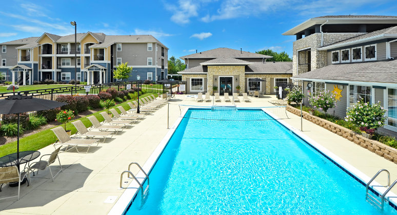The-Avenue-South-West-Lafayette-IN-Swimming-Pool-Unilodgers