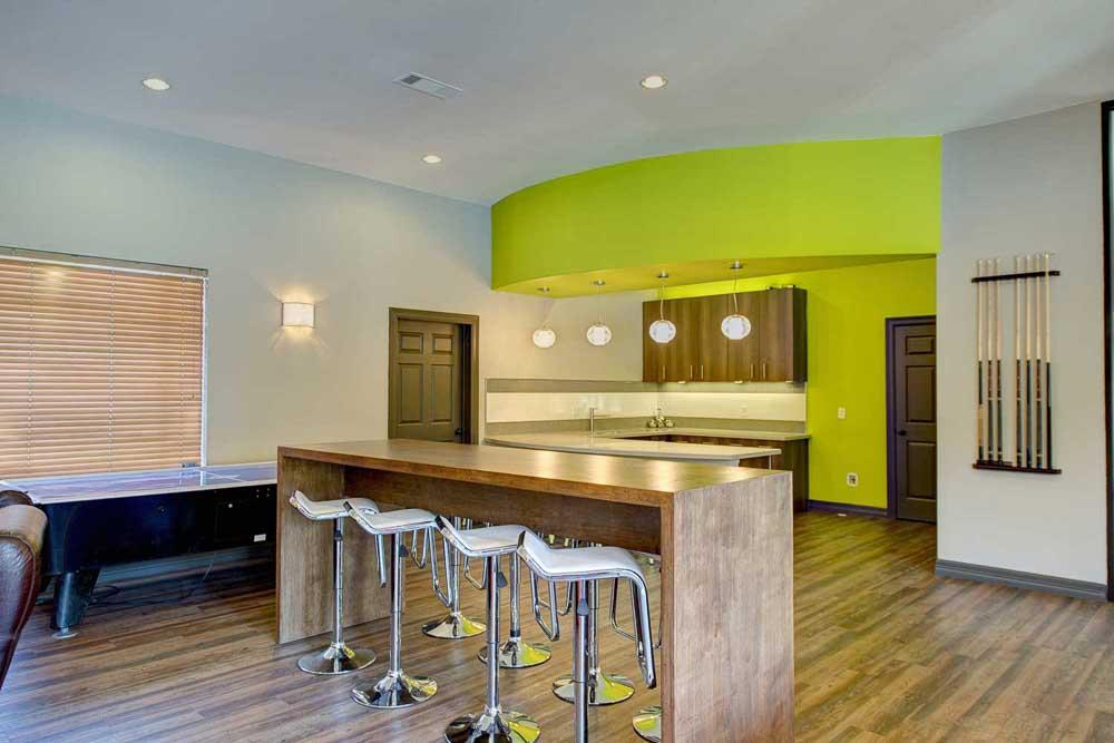 The-Ballpark-North-Austin-TX-Clubroom3-Unilodgers