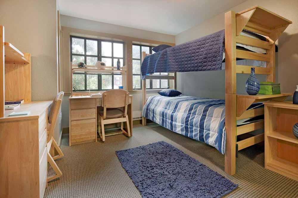 The-Berk-Berkeley-CA-Bedroom-With-Study-Desk-Unilodgers