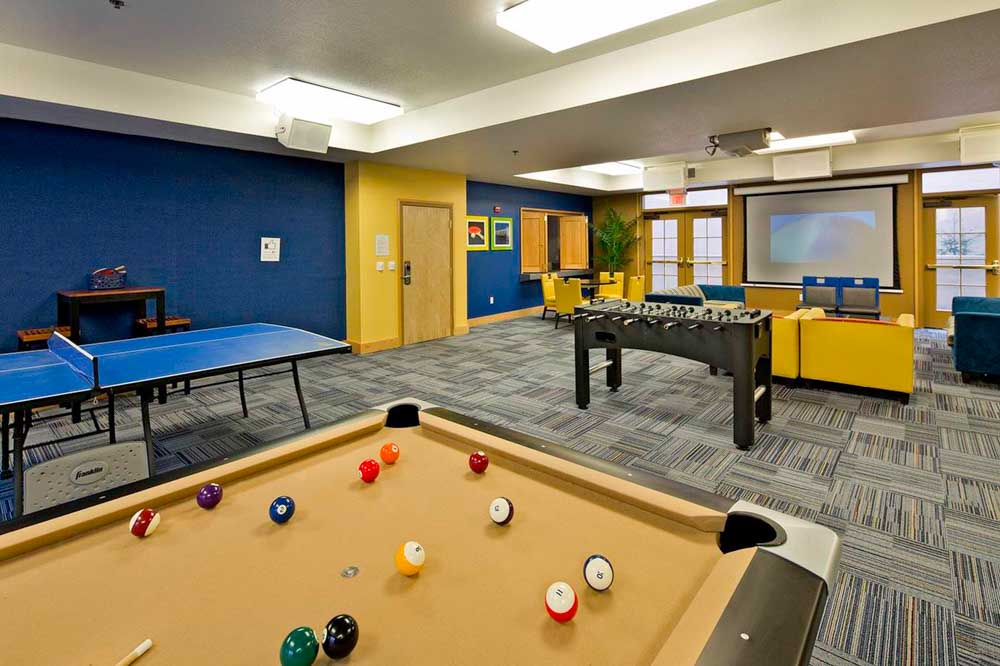 The-Berk-Berkeley-CA-Games-Room-Unilodgers