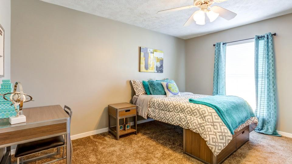The-Block-Townhomes-Starkville-MS-Bedroom-2-Unilodgers