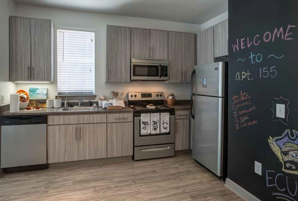 The-Boundary-@-West-End-Greenville-NC-Kitchen-With-Fridge-Unilodgers