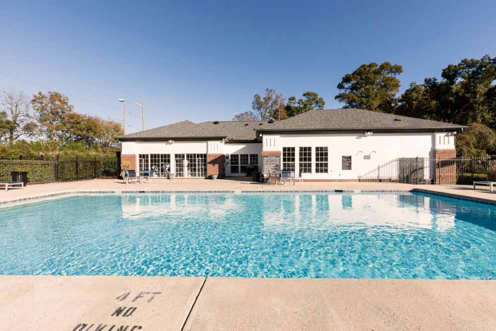 The-Bower-Greenville-NC-Swimming-Pool-Unilodgers