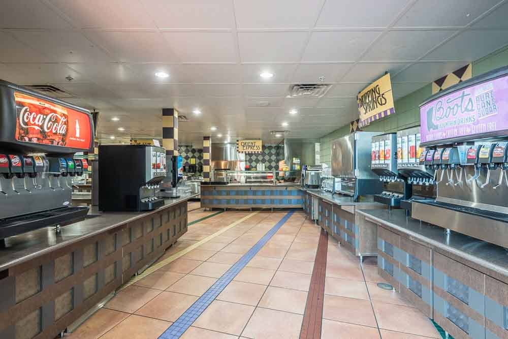 The-Cambridge-At-College-Station-TX-Food-Court2-Unilodgers
